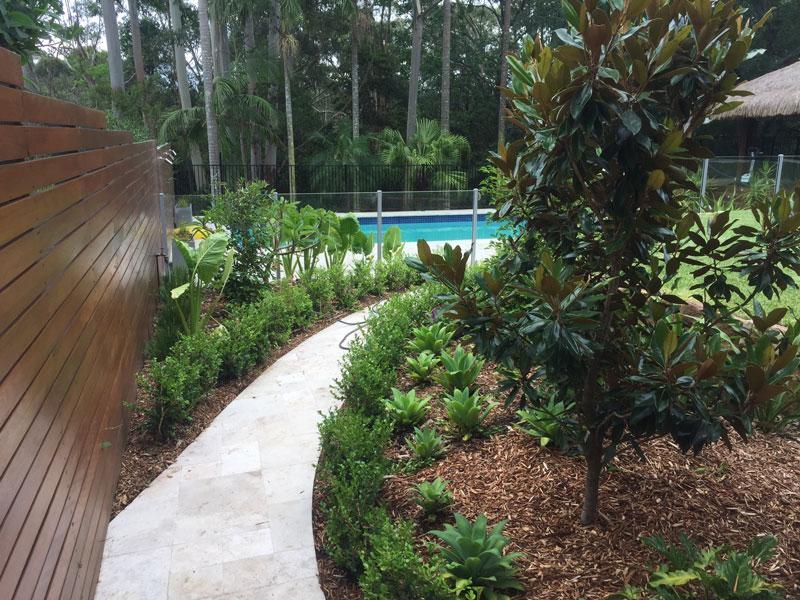 pool paving and surrounds byron bay
