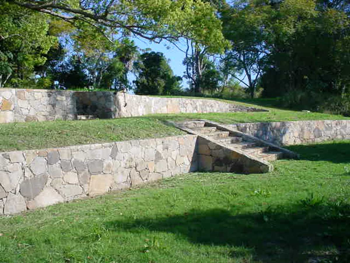 Byron Bay landscaping stone retaining wall